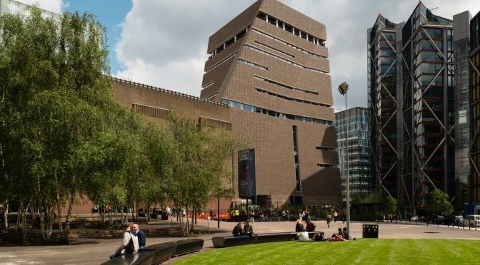 """Yeni Tate Modern binası """"Switch House"""" açıldı"""