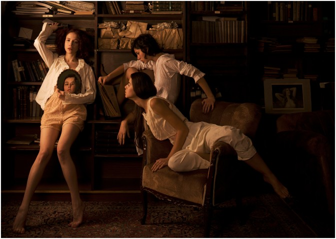 "SISTERS OF PERSEPHONE"" LEICA GALLERY'DE"