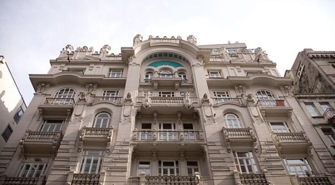 Galeri Nev tekrar Mısır Apartmanı'nda