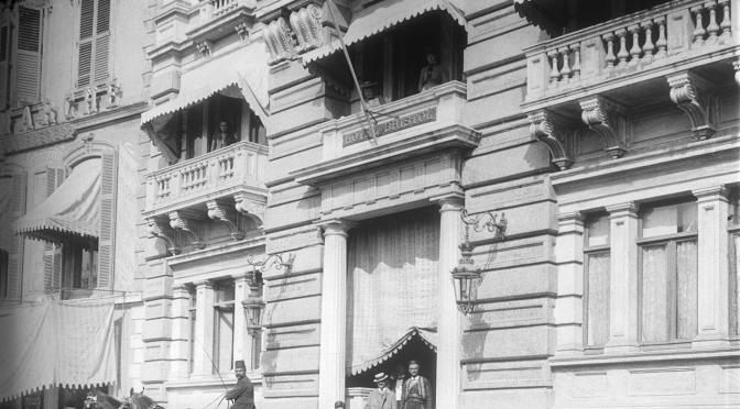 İstanbul Araştırmaları Enstitüsü, Meşrutiyet Caddesi'nden Tarihi Bir Kesit Sunuyor: Aralıktan Bakmak