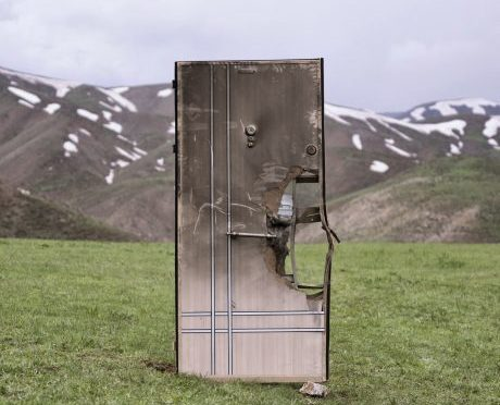 """Savaş Boyraz'ın """"The State we are in"""" adlı kişisel sergisi Berlin'de"""