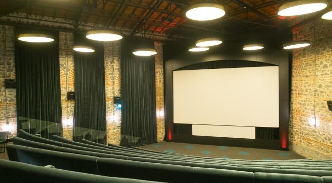 Kundura Sinema Pazar Gecesi Sinema Kuşağı'nı geri getiriyor