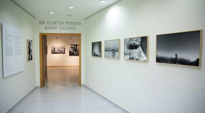 """ENKA Sanat Galeri'de yeni sergi: """"Hayat Başka Yerde"""""""